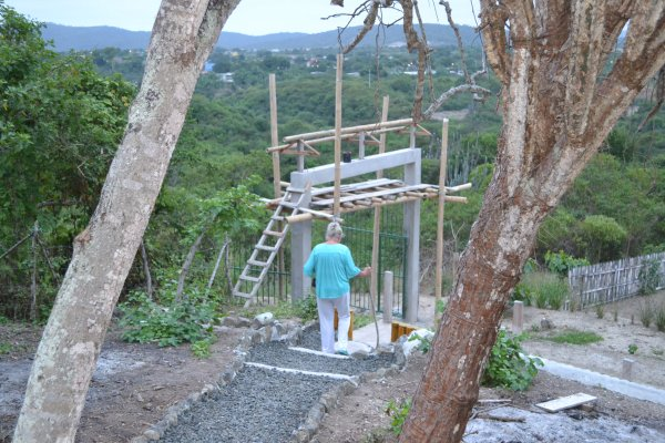 Work on entrance gate